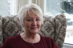 The Blonde Plotters Meet Glynis Peters – The Blonde Plotters